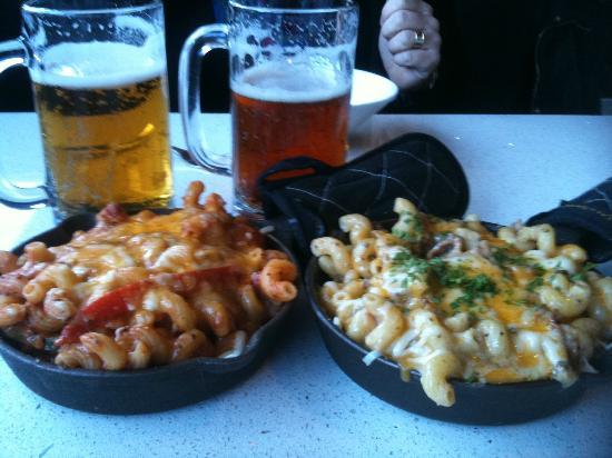 The Mac Shack: Gooey cheesy macaroni skillets