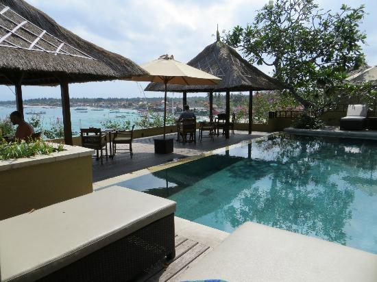 Batu Karang Lembongan Resort & Day Spa: The main pool