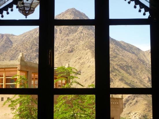 Riad Imlil Lodge : The view from the lounge.