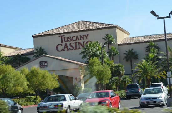 โรงแรมทัสคานี สวีท แอนด์ คาสิโน: Tuscany Suites