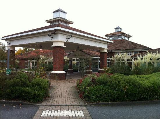 Hilton Maidstone: Front Entrance