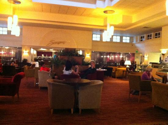 Hilton Maidstone: Lobby