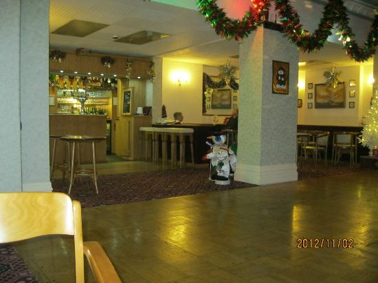 Evans Hotel: bar and entertainments area