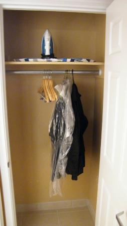 Suburban Extended Stay Alamogordo: hanging closet
