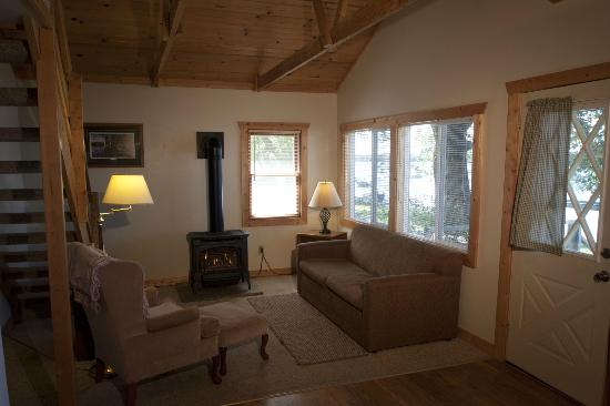 Viking Bay Resort & Lodge : Cabin Interior