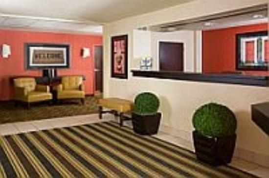 Extended Stay America - Dayton - North: Lobby and Guest Check-in