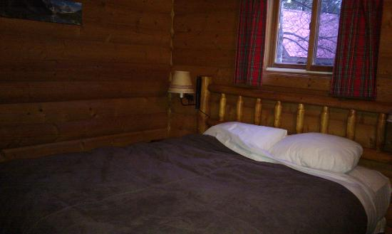Baker Creek Mountain Resort : main bedroom