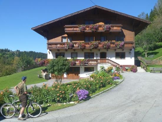 Alpine Club by Diamond Resorts: Local Austrian alpine home