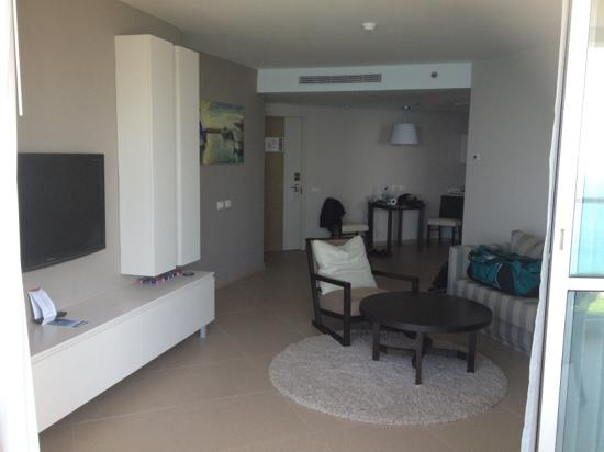 Ramada Hotel and Suites Netanya: our living area