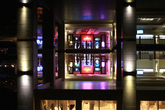 Rixos Premium Belek: Hotel at night