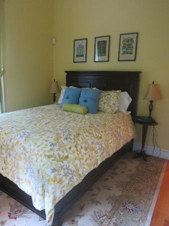The Croff House Bed and Breakfast: Edmonds Room
