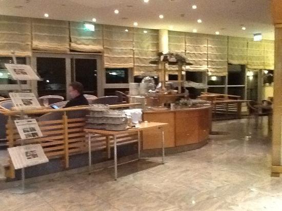 Quality Hotel Schwanen Stuttgart Airport/Messe: lobby, restaurant