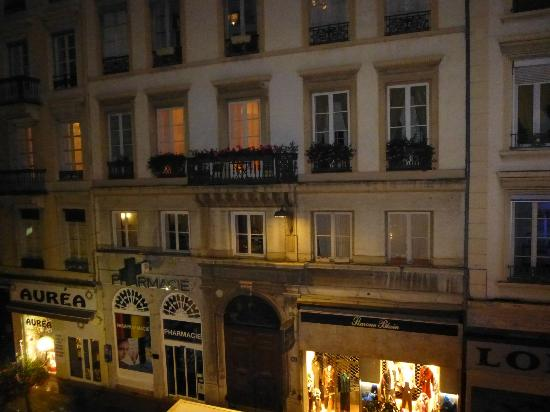 Hotel d'Azur : Looking out our hotel room - good location