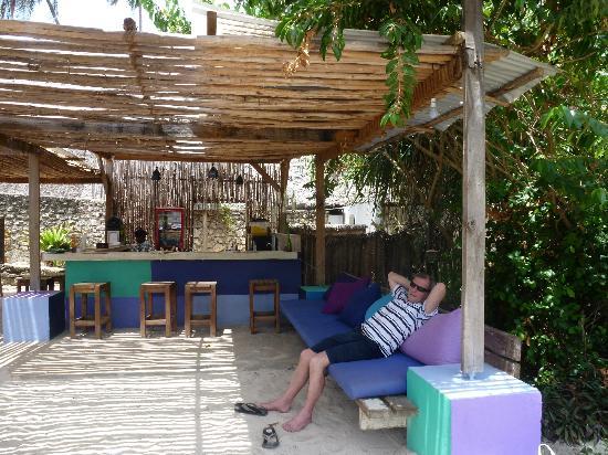 Matemwe Beach Village: Pool bar