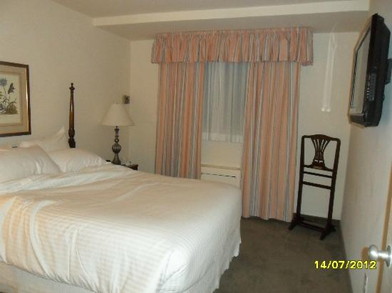 State Plaza Hotel: Bedroom