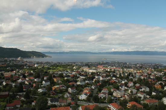 Tyholttarnet: Aussicht auf die Stadt Trondheim