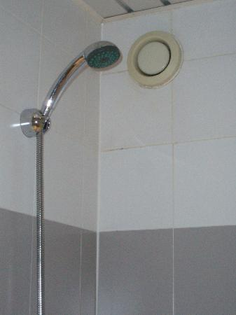 Le 55 Montparnasse Hotel: bagno
