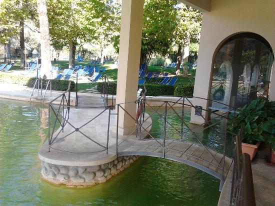Piscina termale photo de albergo posta marcucci bagno vignoni tripadvisor - Bagno vignoni hotel posta marcucci ...