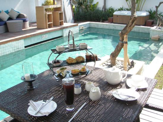 The Samaya Bali Seminyak: Afternoon Tea at the Pool