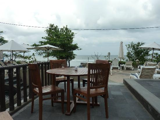 Pelangi Bali Hotel: The view from the restaurant
