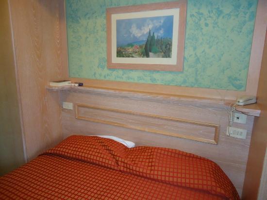 Hotel Meridiana: Il letto