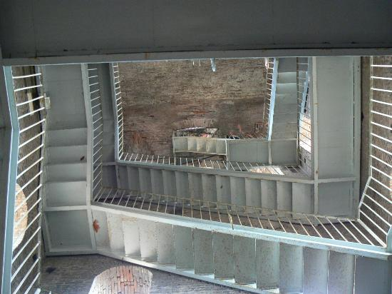 Guinigi Tower: The staircase