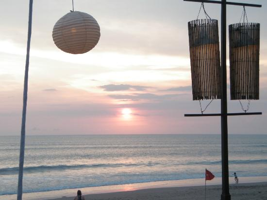 The Samaya Bali Seminyak: Sunset from Restaurant
