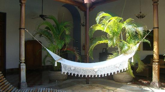 Hotel La Bocona: Siesta time - hammock at the pool area