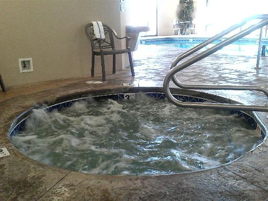 Hampton Inn & Suites Lawton: Hot tub
