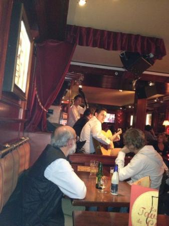 MONK - La Taverne de Cluny : janta na Taverne de Cluny, Paris