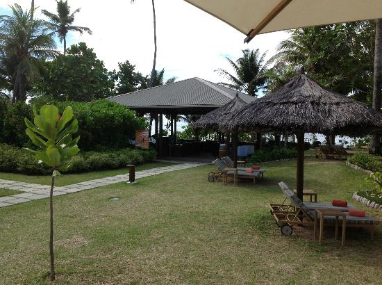 Kempinski Seychelles Resort: Windsong Bar, one of the many bars on site.