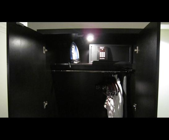 Ambassador Hotel Kansas City, Autograph Collection: Closet, iron, safe
