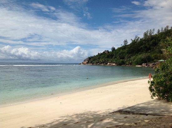 Kempinski Seychelles Resort : Private beach area