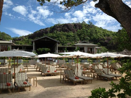Kempinski Seychelles Resort : Sun bathing area