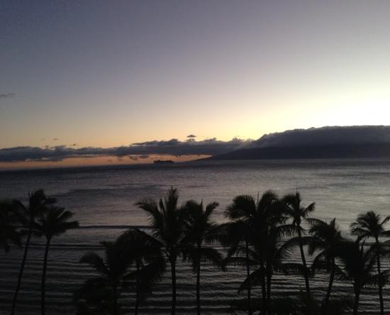Marriott's Maui Ocean Club  - Lahaina & Napili Towers: Sunset from our balcony