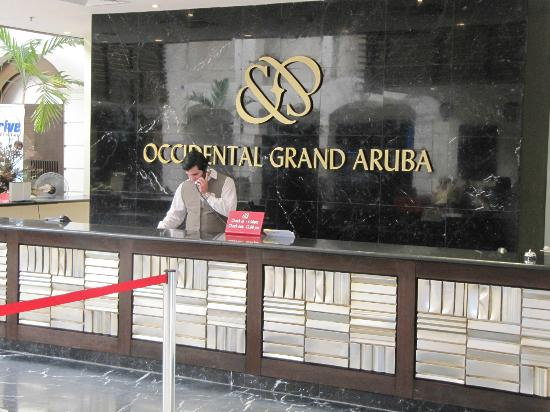 Occidental Grand Aruba All Inclusive Resort: Front Desk