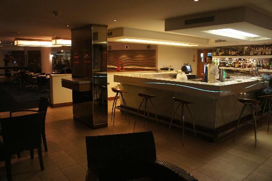 Radisson Blu Hotel Waterfront, Cape Town: Bar