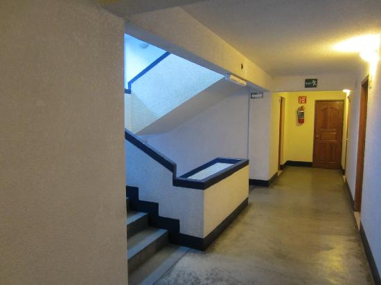 Hotel Aurora: Hallway