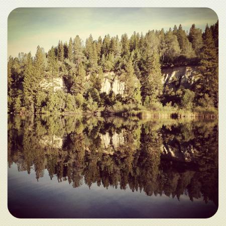 Outside Inn: Hirschman Pond, local walk, ask for a map