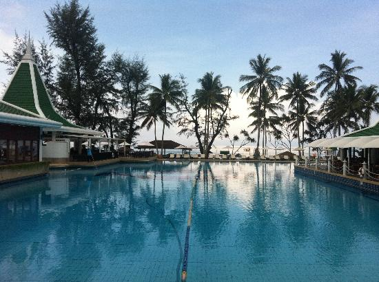 Le Meridien Phuket Beach Resort: Awesome view while having breakfast