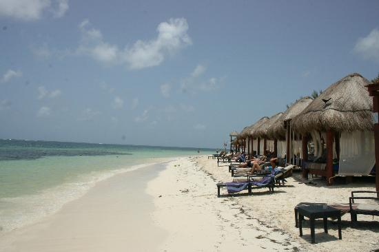Azul Beach Resort Riviera Maya: The beach