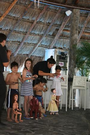 Azul Beach Hotel: Puppet show at the kids club