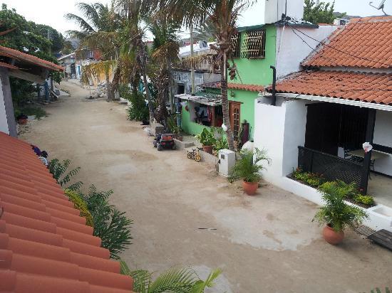 Posada Albacora: vista desde la terraza, todas las calles son asi