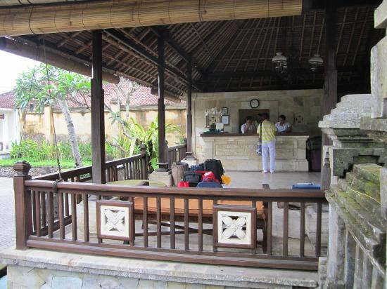 Pertiwi Resort & Spa: Lobby area