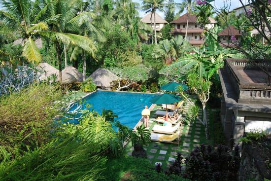 Pertiwi Resort & Spa: Looking down at the Rear Pool