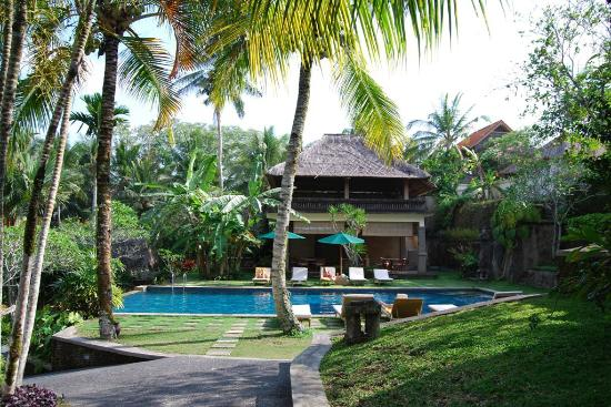 Pertiwi Resort & Spa: Rear Pool Area