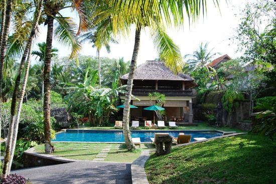 Pertiwi Resort & Spa: Rear Pool