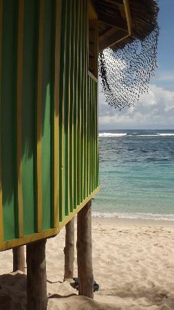 Taufua Beach Fales: Closed Fale