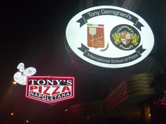 Tony's Pizza Napoletana: Superb Italian
