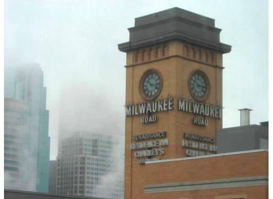 Renaissance Minneapolis Hotel, The Depot: The landmark clock tower makes this hotel easy to find.